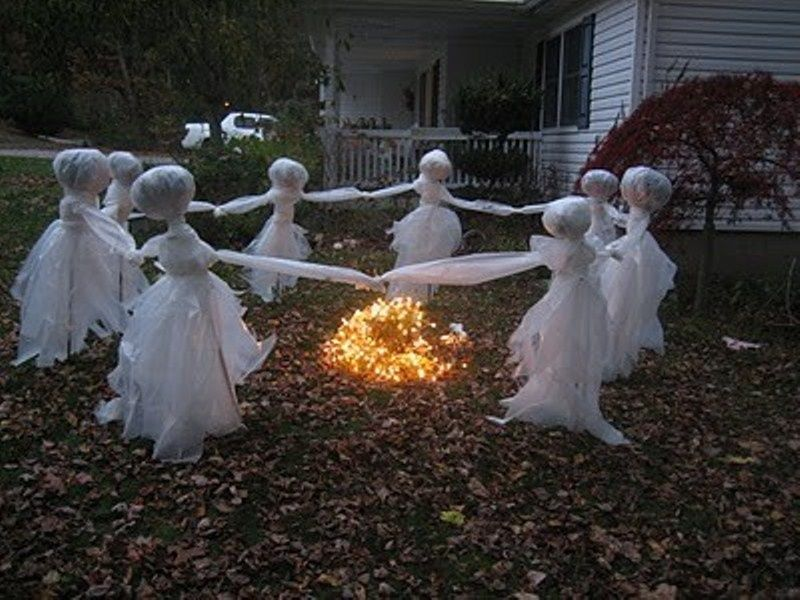 halloween decorated houses - Halloween Decorations 2016