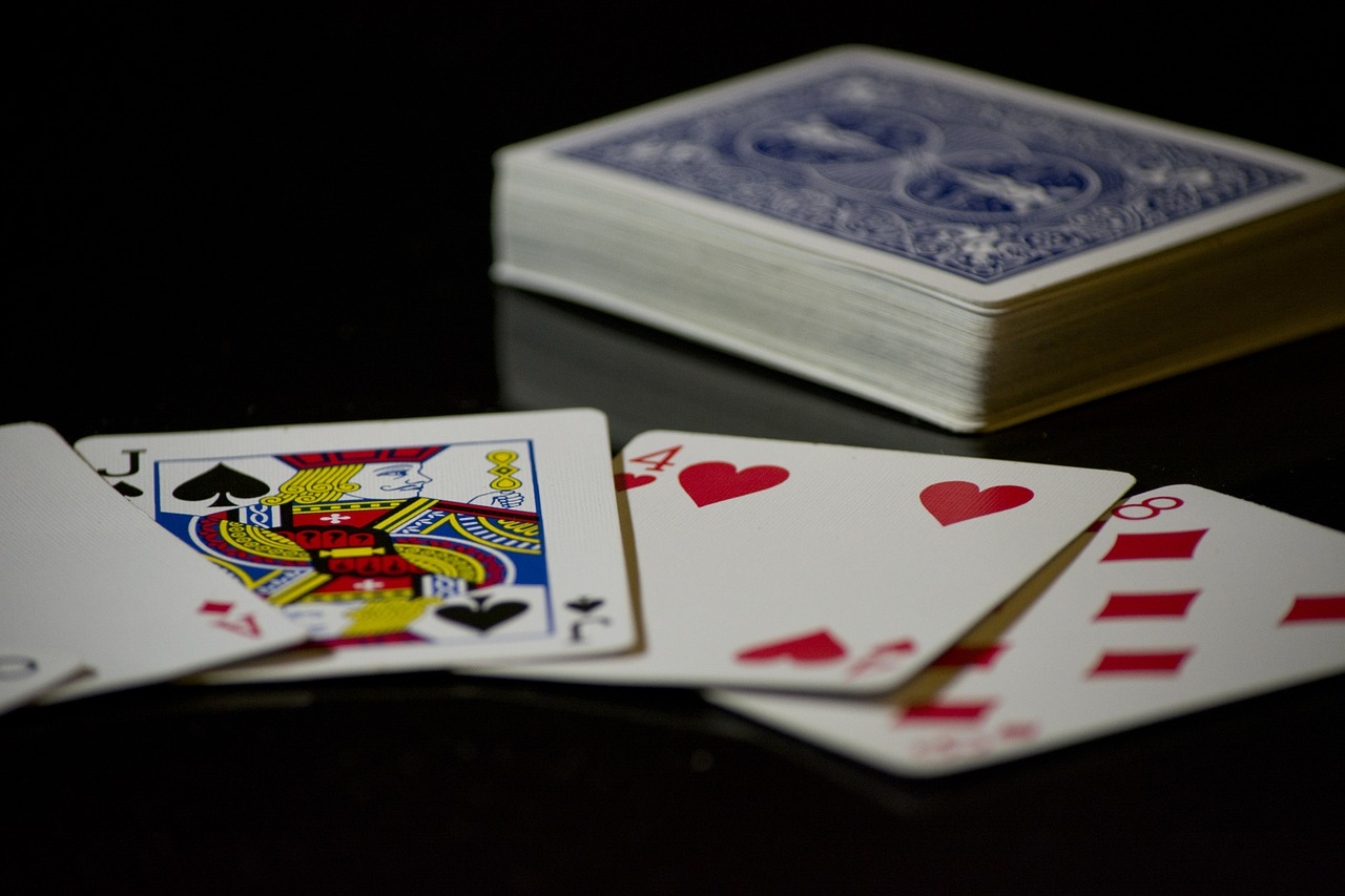 cards-619016_1280
