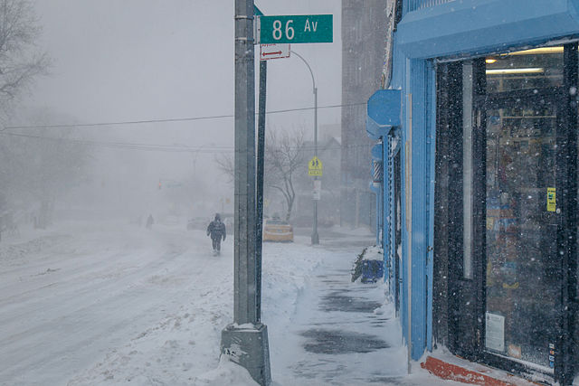 640px-january_2016_blizzard_in_queens_new_york