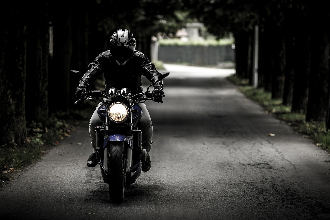 Are You Endangering Your Life By Doing These On A Motorcycle?