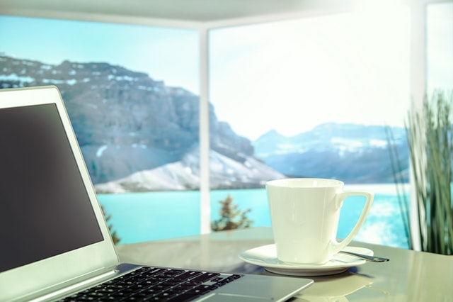 Is Becoming A Digital Nomad Right For You?